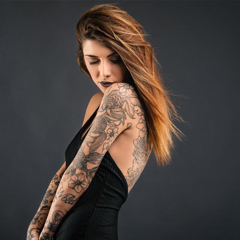 Tatuaż kiedyś i dziś: historia wykonywania i usuwania tatuaży